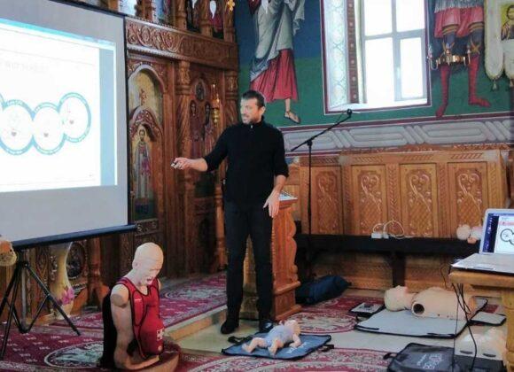 Preoții și mirenii din episcopiile Maramureșului și Sălajului participă la cursuri de prim-ajutor